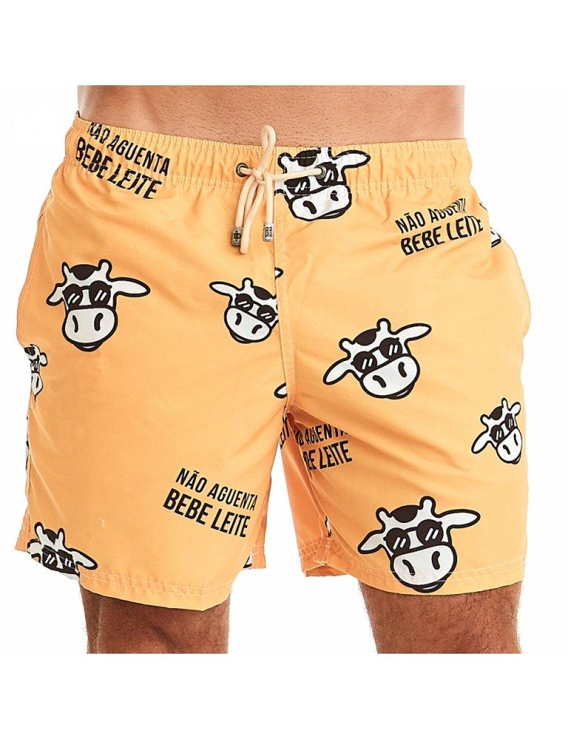 Shorts de Praia Masculino Não Aguenta Bebe leite - Amarelo